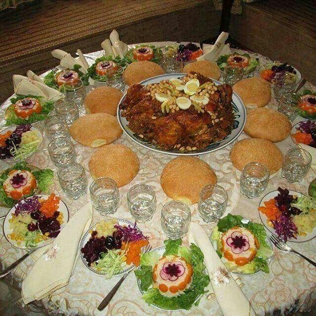 Idée Repas Marocain Table marocaine | Moroccan food, Moroccan dishes, Morrocan food