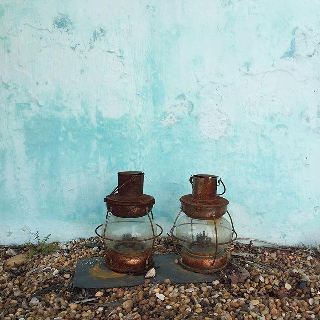 Vintage rustic bronze lanterns for your terrace. Companhia das Culturas | Algarve |