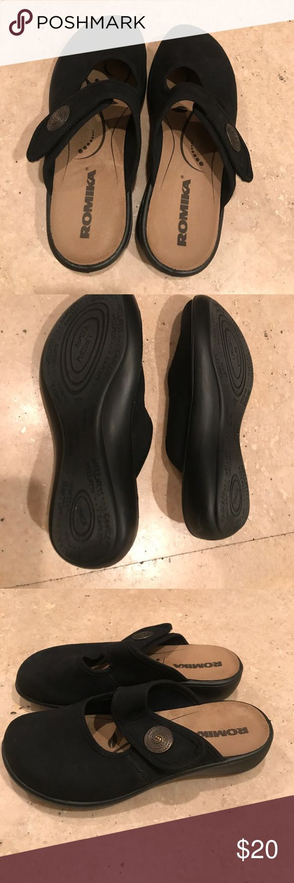 Comfy Romika clogs like new barely worn Black adjustable slide on so comfortable Romika Shoes Mules & Clogs