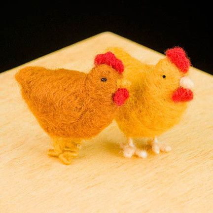 WoolPets Chickens needlefelting kit. Learn the art of sculptural needle felting! Kit includes felting needles, wool roving, and step by step photo instructions that make this craft a snap. Kit makes t