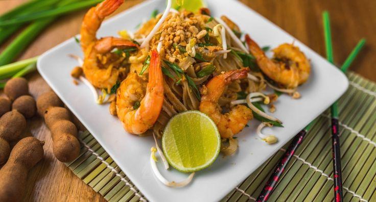 Pad Thai recept: Ez egy klasszikus Pad Thai recept. A Pad Thai a legnépszerűbb thai ételek egyik, nem véletlen! ;) Próbáld ki te is ezt a receptet, nem fogsz csalódni! ;)