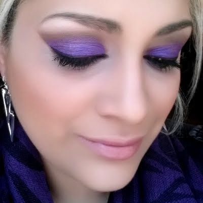 Do IT yourself: @lipstick_fairy's ROYAL purple eyes made using @ITCosmetics gifted makeup!