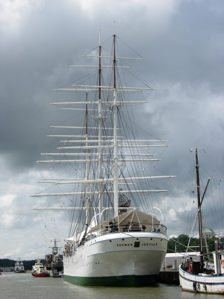 Suomen Joutsen ex Oldenburg ex Laennec.  Now preserved in Turku, Finland.  Originally a school ship.  Full-rigger.