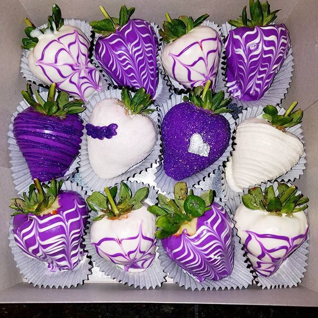 Purple & White Berries   chocolate covered Strawberry designs www.nikkietreats.com  Contact me!! NikkiEtreats@gmail.com  #NikkiEtreats #blingberries #chocolatecoveredstrawberries #chocolatestrawberries #chocolatestrawberry #chocolate #strawberry #infusedstrawberries #infused #chocolateheels  #highheels  #highheelshoes #chocolatehighheel #chocolatehighheels #chocolatehighheelshoes  #chocolatehighheelshoe