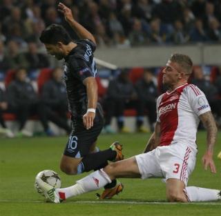 Ajax - Borussia Dortmund Champions League met Alderweireld vanavond kan Ajax zorgen dat ze overwinteren in de Champions League