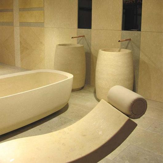 Grassi Pietre: bathrooms