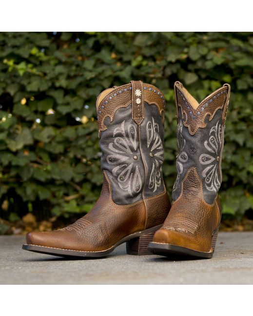 Ariat Women's Daisy Cowgirl Boot - Brown  http://www.countryoutfitter.com/products/16150-womens-daisy-boot