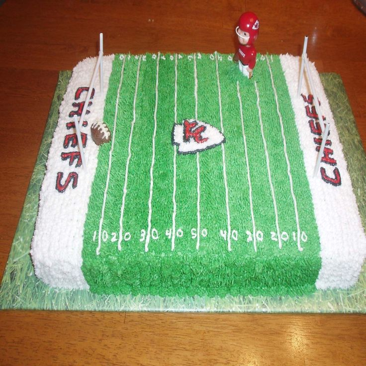 KC Chief cake | Kansas City Chiefs field cake — Football / NFL