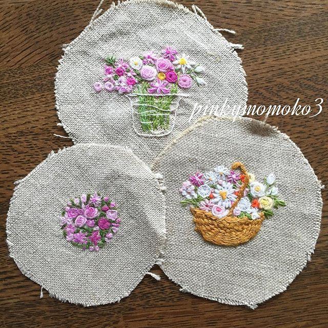 . . 大好きな花刺繍。。。 . #embroidery #embroidaryfloss #embroiderydesign #Embroiderythread #flola #flower #flowerbasket #flowerembroidery #sewing #stitch #rose #needleart #needlework #handmade #handcraft #handembroidery #手刺繍 #手仕事 #手作り #花籠 #花刺繍 #ハンドメイド #薔薇 #バラ #ばら .