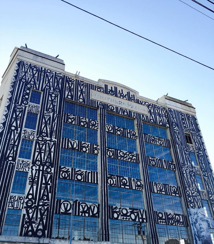 #RETNA #madsocietykings #angelswillrise #7th and #Alameda #losangeles #murals #historicbuilding #southernpacific #california w @ricardoestrada323 thank you @don_ruano and @fashiongio #downtown dedicated to #thecityofangels #toptobottom by ironeyeretna