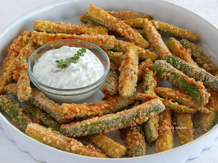 Κολοκυθάκια τηγανιτά σου φούρνο http://www.pepiskitchen.blogspot.gr/2014/05/kolokythakia-tiganita-sto-fourno.html