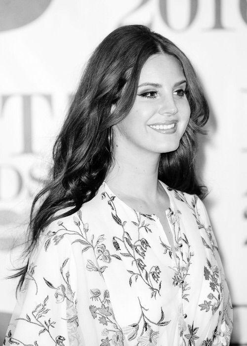 Feb.24, 2016: Lana Del Rey at the BRIT Awards in London #LDR
