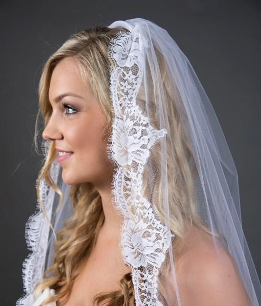 Bridal veils are pretty much considered to be a quintessential part of weddings nowadays by #couples #veils #Bridal