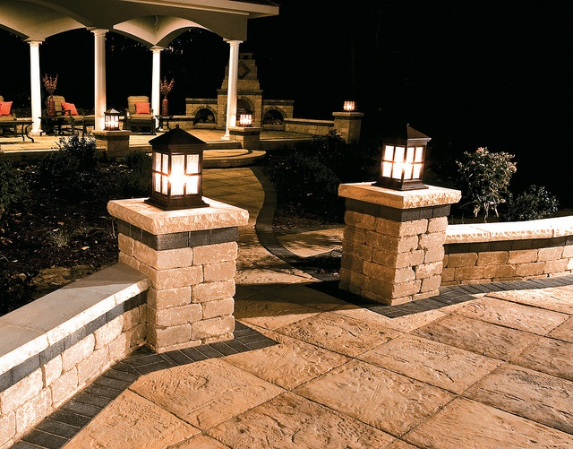 Yorkstone Patio With Brussels Dimensional Pillars And