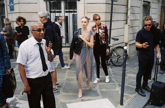ファッショニスタ in Parisの一瞬の素顔をSNAP