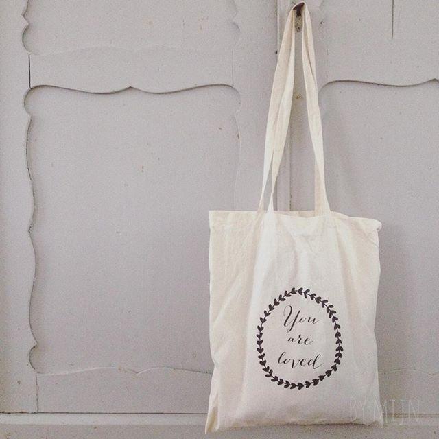 """Linnentas met een illustratie van Huis van """"Mijn""""#huisvanmijndesign #linnentas"""