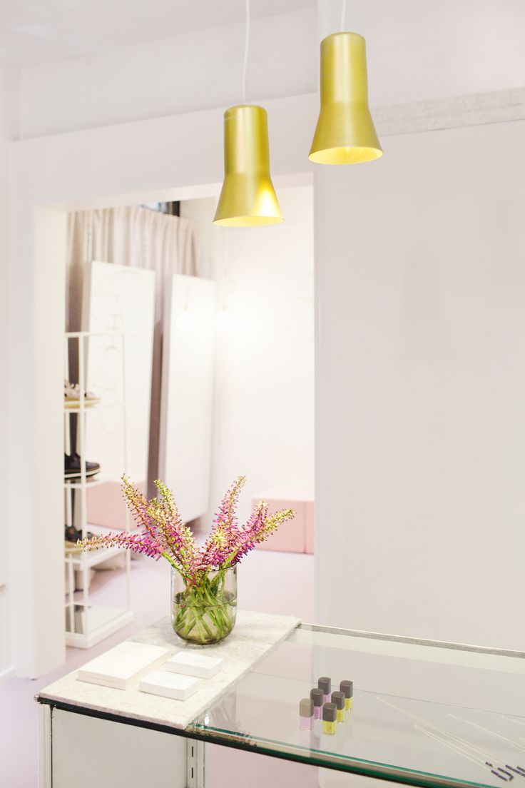 Ross Gardam lighting with cecilia fox flowers. Image by Lilli Waters Photography