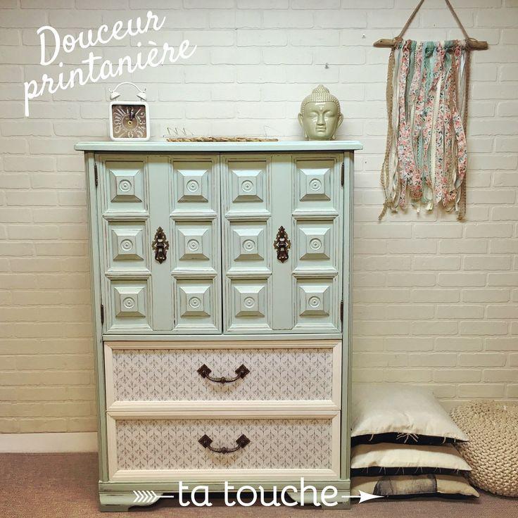 Commode turquoise sur mur de briques blanches par ta touche - relooking de meubles sur mesure (atelier situé à Chambly)