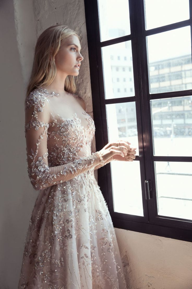 "LEE GREBENAU SPRING 2017 ""SWAN LAKE"" COLLECTION - Elegant Wedding: Bridal Gowns 2017 , Wedding Trends For 2017, Wedding Ideas, Themes, Cake, Reception Venues, Real Weddings, Photo Toronto, Montreal, Canada ,United States"