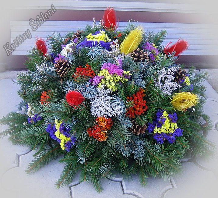 ČLÁNKY A FOTOGRAFIE   Dušičkové vazby   Květiny Šíblová