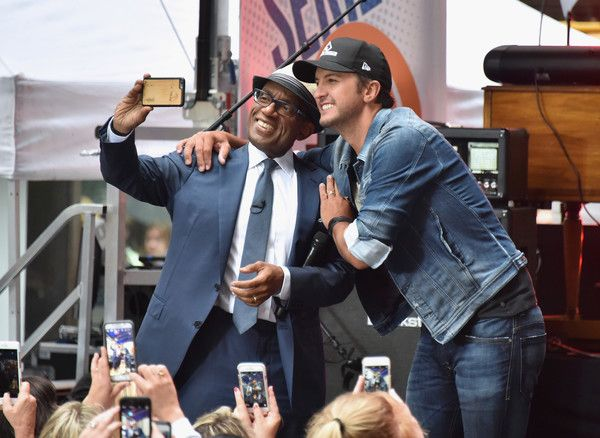 "Luke Bryan Photos - NBC ""Today"" Show Anchor Al Roker takes a picture with Country singer/songwriter Luke Bryan as he performs on NBC's ""Today"" at Rockefeller Center on June 3, 2016 in New York City. - Luke Bryan Performs on NBC's 'Today'"