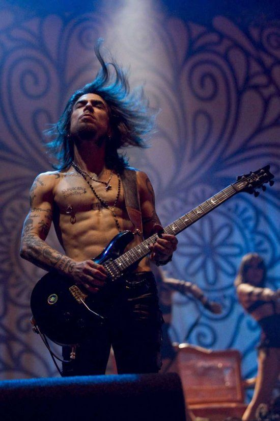 Dave Navarro - highly talented lead guitarist for Janes Addiction and the Red Hot Chili Peppers.