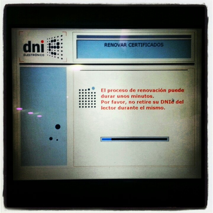 30/365 - Tenia que caducar el certificado del DNIe PRECISAMENTE el día de presentar papeles a hacienda >:( #2013/365