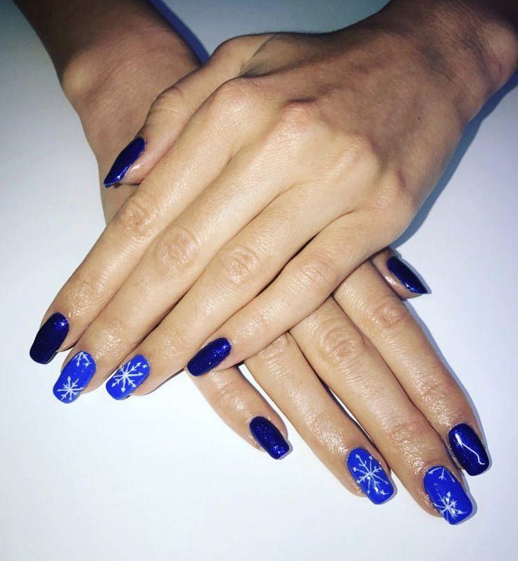 #winter #nails #blue #white #snowflakes