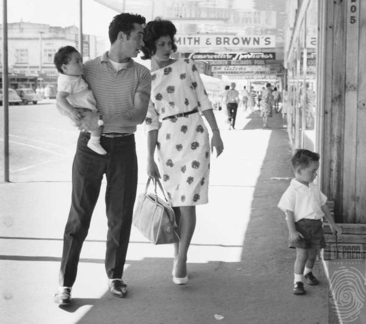 Maori family on street, 1967, New Zealand, photograph by Ans Westra.