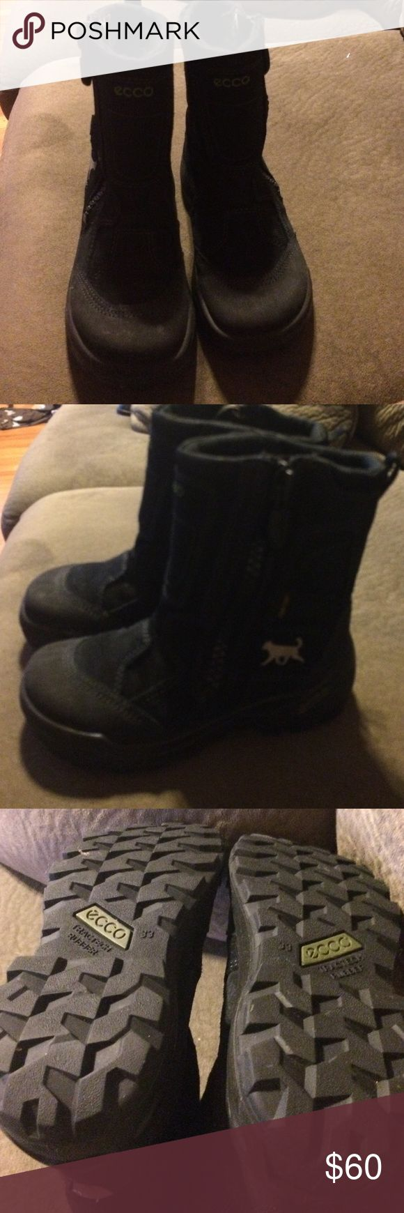 Ecco Boys Snowboots.  EUC.  Euro size 33/US size 1 Almost new Ecco Snowboots.  Side zipper.  Gore-Tex.  Great quality. Ecco Shoes Rain & Snow Boots