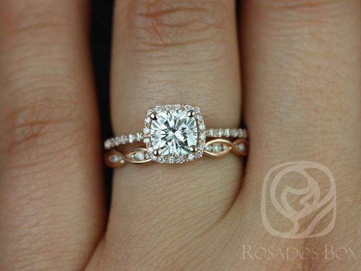 This engagement ring is designed for those who love simple with a slight twist. The cushion cut in the center is traditional while the cushion halo gives it a little bit of interest without being too simple.  All stones used are only premium cut, fairly traded, and/or conflict-free! Our diamonds are always natural NEVER treated or enhanced for better color or clarity. Our products are only created with the finest of recycled metals. Rosados Box™ works hard to save the world one piece of…