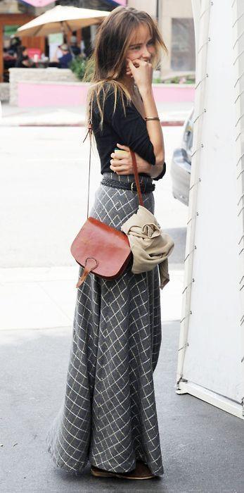 maxi skirt vintage street style