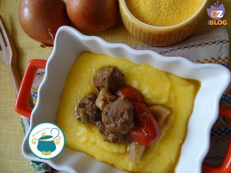 Spezzatino di manzo con porcini e polenta - ricetta autunnale-