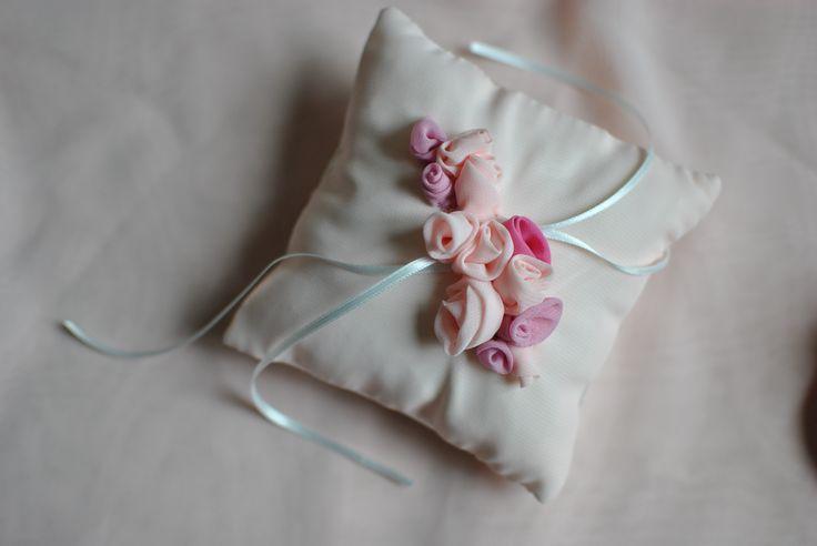 Cuscinetto portafedi con roselline Favole di Seta Sartoria Torino