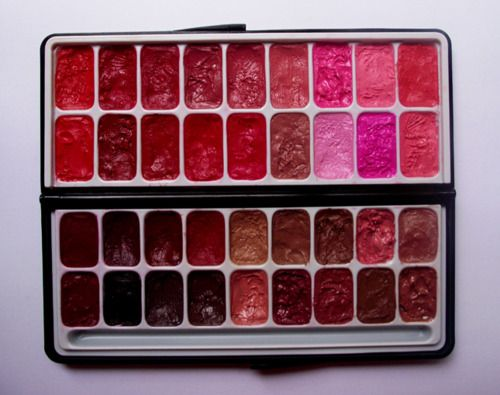 lipstick palette, cant live without it