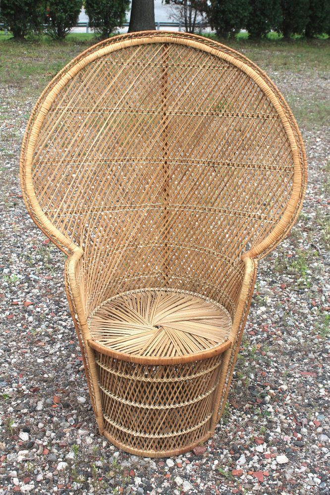 Vintage 70 s peacock fan high back rattan wicker chair for Vintage 70s chair