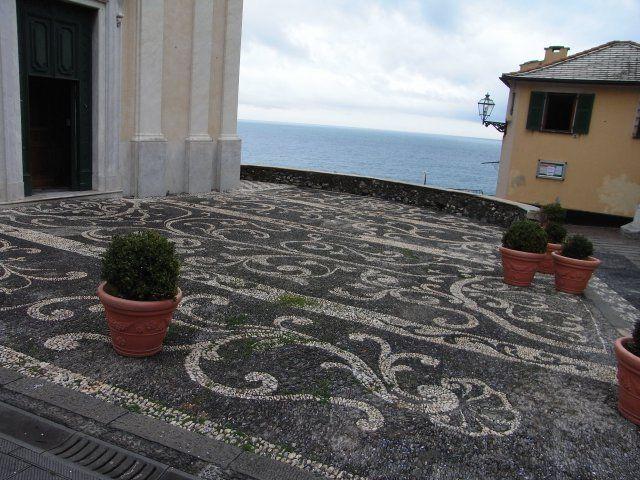 Bogliasco - Genova - Mosaico del 1767 davanti alla Chiesa