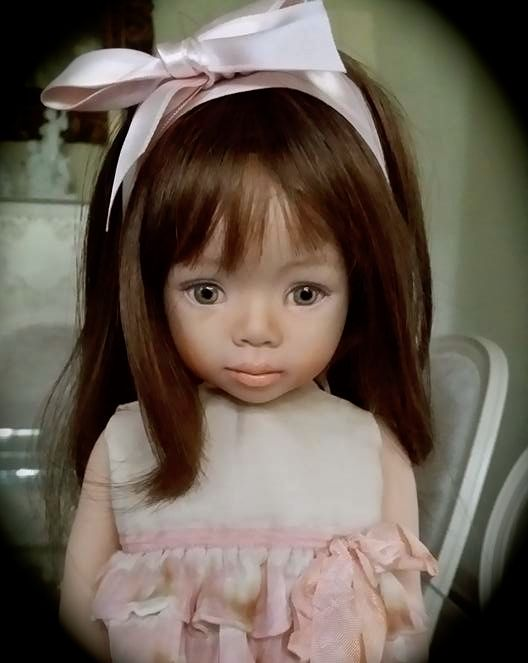 Tarita - porcelain doll OOAK, painted eyes, from the mold Portrait 9 by Dianna Effner.(LCD Laura Corti Dadatti Dolls) #porcelaindoll #bisquedoll #ooakdolls #creative #dollphoto #dollartistry #porcelaindolls #ooakdoll #collectibledolls #collectable