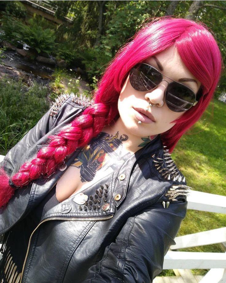 @kirous.kuolema Looks lush in her Cherry Lipgloss #wig  . . #lushwigs #wig #lushhair #lushwigscherrylipgloss  Lushwigs.com (link in bio)
