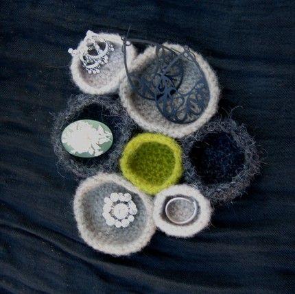 ooo a knit jewel box