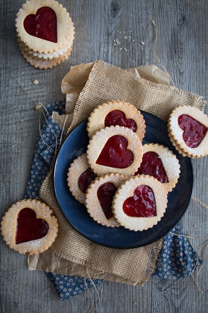 strawberry heart linzer cookies - a fun treat for Valentine's Day