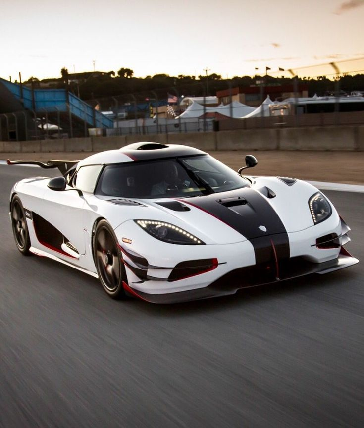 Best 25+ Koenigsegg ideas on Pinterest | Ferrari laferrari ...