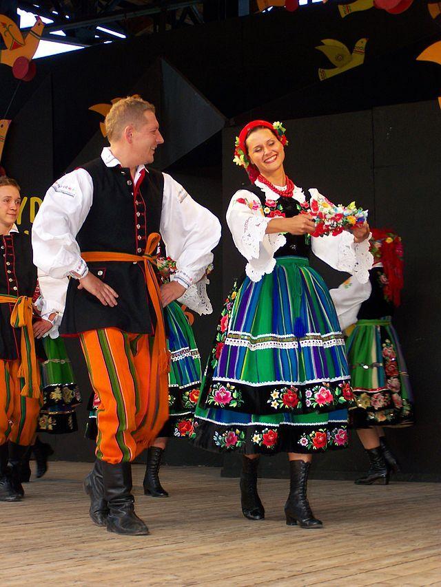 17 Best images about Mazowsze - Polish Folk Group on Pinterest | Traditional Folk dance and Europe