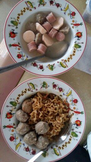 Apapaun makananya tetep temenya bakso itu bulgogi