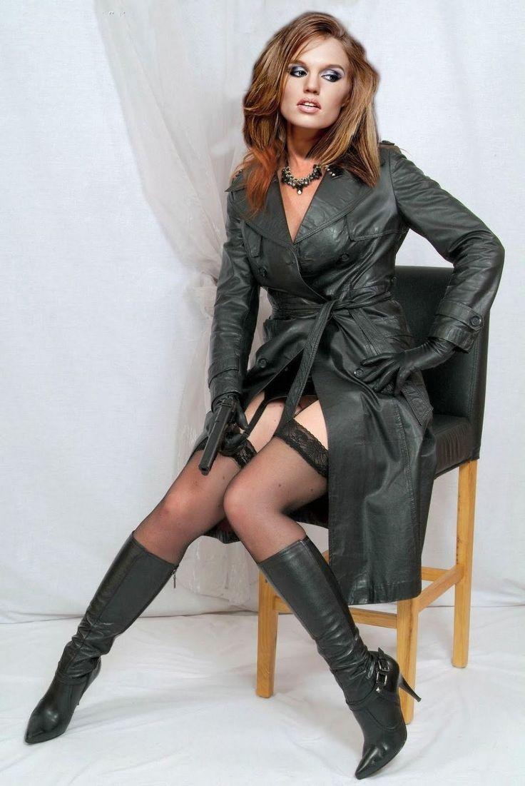 Frauen In Lederröcke