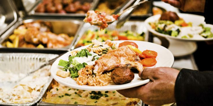 Maanantai lounasmenu 15.08.2016 ALKURUOAT Salatti  BUFFET Kasvis Currya(LP) Kana ja Peruna (LGP) Kalaa Masalakastikkeessa (LGP) SianLihaa ja Nuudeleita (LP) Papuja (LGP) Riisiä (LGP)  JÄLKIRUOAT Omenapiirakka (LP) Kahvi  Monday Lunch Menu STARTERS Salad  BUFFET Vegetable Curry(LG) Chicken & Chips(LGP) Fish masala(LGP) Pork & Noodles(LP) Dal Tadka(GLP) Rice (LGP)  DESSERTS Apple Pie (LP) Coffee  G=GLUTEENITON, L=LAKTOOSITON, P=PÄHKINÄTÖN