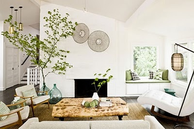 Clean, bright and simple: Mid Century Modern, Modern Living Rooms, Decor Style, Interiors Design, Interiordesign, Indoor Trees, Midcentury, Window Seats, White Wall