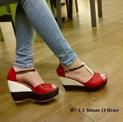 Wedges -- mix black white red -- heels 10cm  IDR 220.000
