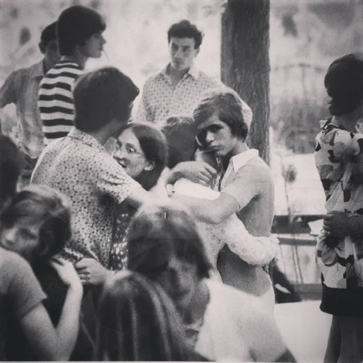 La straordinaria bellezza delle fotografie di Berargo #Gardin.  #fotografiaeuropea #art #arte #artisllyouneed  #reggioemilia #igreggioemilia #travelgram #nofilter #journalistlife #fe2017 #pressday #preview #beautiful #festival #photography #love #dancing #blackandwhite #instalove #photoaday #photooftheday #italy #milano #balera #sixties #latergram #tbt http://tipsrazzi.com/ipost/1509042650148366737/?code=BTxMkuJAemR