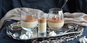 Kávéfüggők, figyelem! Nem ez a pohárkrém fog titeket leszoktatni a szerről! De ki lehet vele váltani a reggeli adagot. :) Fehércsokis kávékrém, csokis kávémousse, karamell